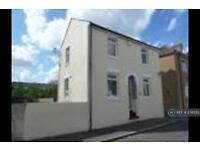 3 bedroom house in Albert Street, Harwich, CO12 (3 bed)