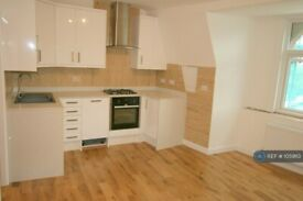 1 bedroom flat in Finchley Road, London, NW11 (1 bed) (#1059113)