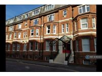 2 bedroom flat in Grand Marine Court, Bournemouth, BH2 (2 bed) (#893424)