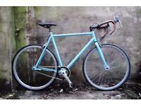 VIKING. 23 inch, 58.5 cm. Single speed bike, flipflop wheel, it can easily turn into a fixie.