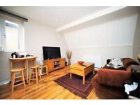 2 bedroom flat in Nether Street, Finchley N12