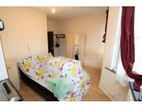 Studio flat in Langham Road, Turnpike Lane, N15