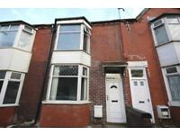 3 bedroom house in Bradford Road, Great Lever