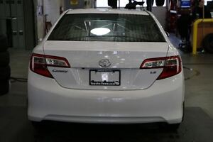 2014 Toyota Camry LE UPGRADE WITH NAVIGATION - SNOW TIRES! London Ontario image 5