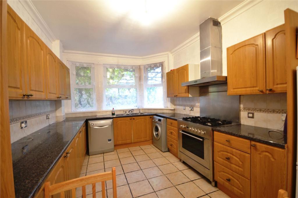 5 bedroom house in Sydney Road, London, N8