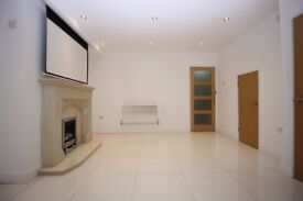 Docklands E16-3 Bedroom House,2 Bathrooms*UNFURNISHED*,Private Garden,Conservatory,Quiet Area