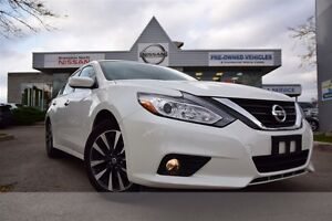 2016 Nissan Altima 2.5 SV *Blind spot warning,Heated seats, Rear