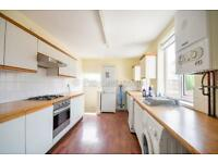6 bedroom house in Warton Terrace, Heaton, NE6