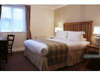 1 bedroom in Former Hever Hotel, Hever, Edenbridge, TN8 (#1084827)