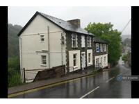 2 bedroom flat in High Street, Llanhilleth, NP13 (2 bed)