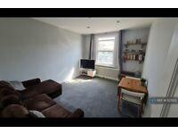 3 bedroom flat in Florence Road, London, N4 (3 bed) (#1127822)