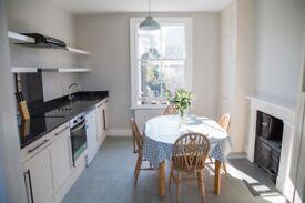 3 Bedroom Flat to rent Wandsworth Road-NO FEES