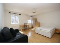 Studio apartment available with parking located in Docklands E14, Canary Wharf, Isle of Dogs