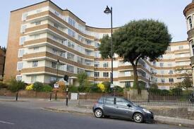 3 bedroom flat in Cholmeley Lodge, Highgate