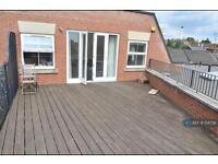 2 bedroom flat in Burnham Street, Kingston, KT2 (2 bed)