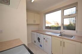 2 bedroom flat in Coppetts Road, Muswell Hill, London, N10