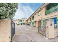 2 bedroom flat in Cave Street, St Clements, Oxford
