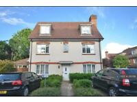 4 bedroom house in Hartington Close, Reigate, RH2 (4 bed)