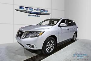 2014 Nissan Pathfinder S  ** 4WD ** 7 Passagers