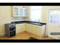 2 bedroom house in Knowles Street, Radcliffe, M26 (2 bed)