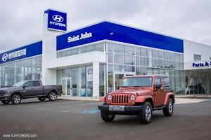 2014 Jeep Wrangler Sahara! NAV! LOW KMS! 1 OWNER!