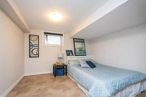 Great Downtown Location 5 Bedroom Student House London Ontario image 13