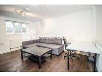2 bedroom flat in Susannah Street, All Saints, Canary Wharf