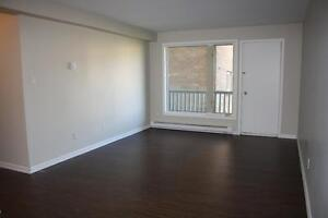 Free Month Rent in Grenfell Court and Columbus Terrace!!