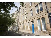 2 bedroom flat in Roseneath Place, Edinburgh,