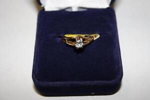 Bague en or sertie Diamants (A029919)