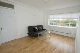 2 bedroom flat in Northwood Hall, Highgate