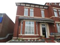 1 bedroom flat in Part Street, Southport, PR8 (1 bed) (#965510)