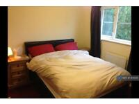 1 bedroom in Parish Close, Ash, GU12