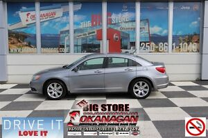 2013 Chrysler 200 Touring, Not Smoked In, Loaded!!!