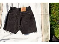 Levis 551 Relaxed Fit High Waisted Womens Shorts / size S/M / Black Denim