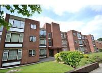 2 bedroom flat in Garden Court, 63 Holden Road, Woodside Park, N12