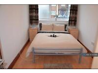 1 bedroom in Midhurst Road, Ealing, W13