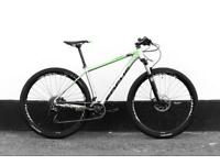 Focus mountain bike M size hydraulic brakes rock shox fork