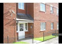 2 bedroom flat in Lloyd Road, Manchester, M19 (2 bed)