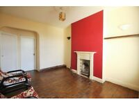 **GREAT 2 BED FLAT IN MANOR HOUSE WALKING DISTANCE TO TUBE & SHOPPING FACILITIES £1500PCM**