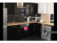 5 bedroom house in Clough Road, Sheffield, S1 (5 bed)