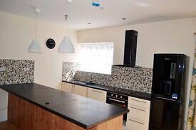 3/4 Bedroom Detached Bungalow Watford (Cassiobury Park)