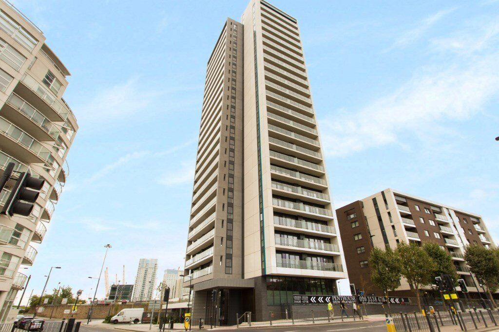 # Beautiful brand new 2 bed 2 bath available now in the Horizon Tower - Canary Wharf!!