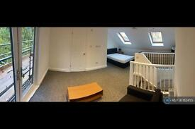 1 bedroom in Windrose Close, London, SE16