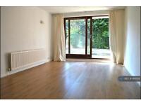 1 bedroom flat in Park Hill Road, Shortlands, BR2 (1 bed)