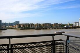 2 bedroom flat in Langbourne Place, London, E14 (2 bed) (#1086002)