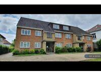 2 bedroom flat in Whitten Lodge, London, N12 (2 bed) (#895190)