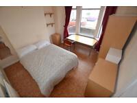 4 bedroom house in Llanishen Street, Heath, Cardiff