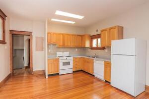 128 Briscoe Street - 2 Bedroom House for Rent London Ontario image 6