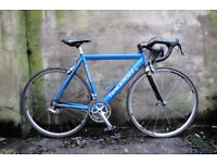 RALEIGH SPECIAL EDITION. 22 inch, 56 cm. Racer racing road bike, Carbon fork, Campagnolo, 16 speed